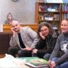 """Дарина Король (праворуч) з книжками від видавництва """"Країна мрій"""""""
